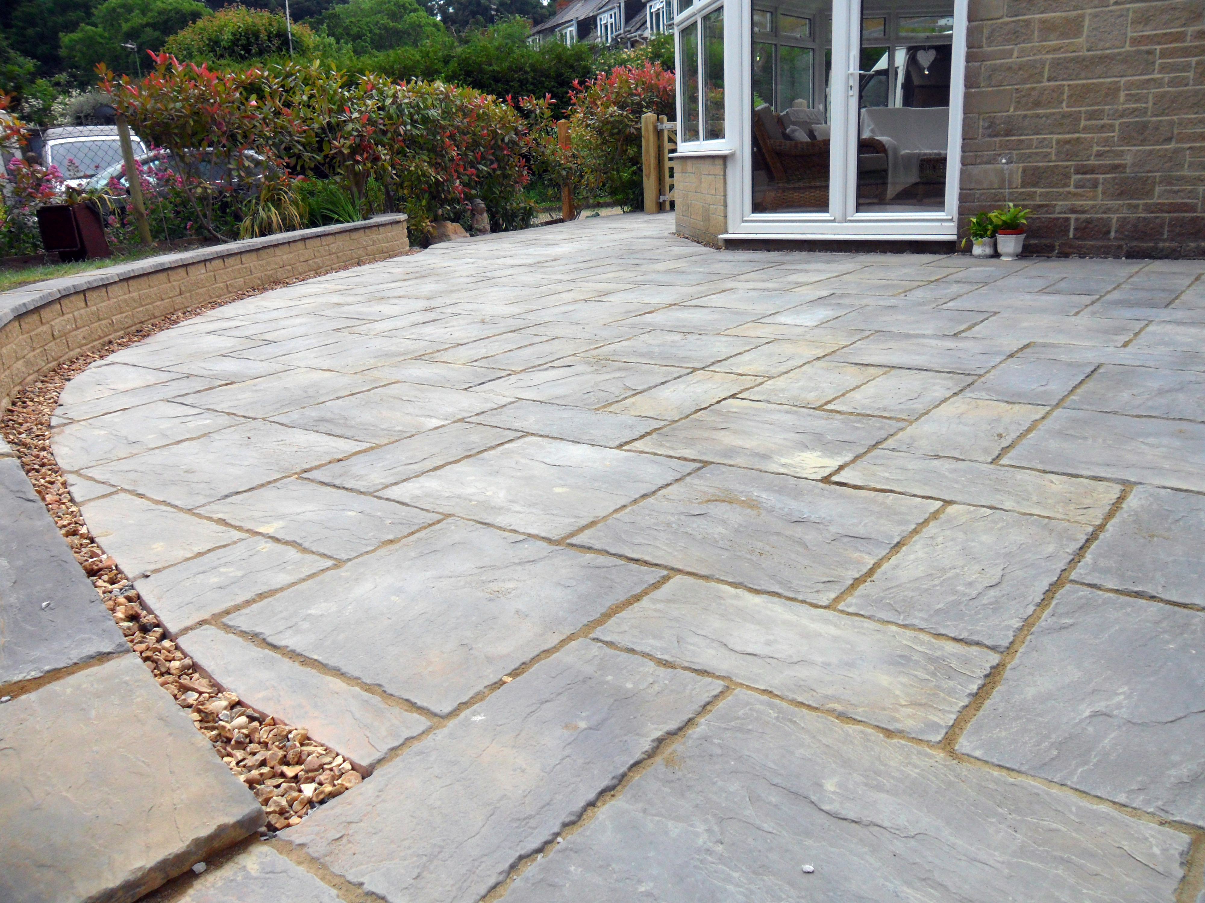 Patio slabs fencing bridgwater taunton yeovil for Garden design yeovil